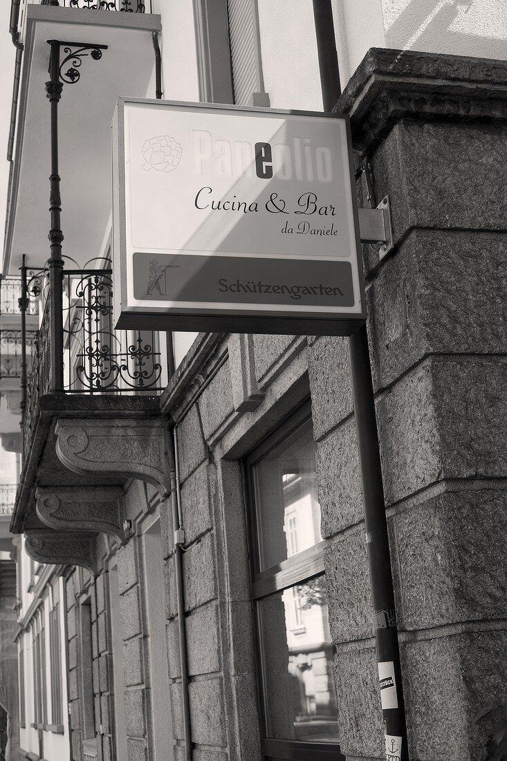 Sign of Italian restaurant