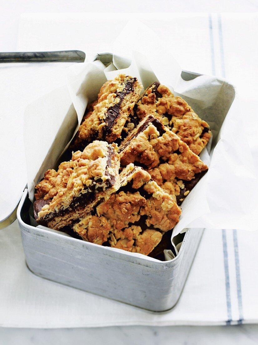 Chocolate oat bars in a lunchbox