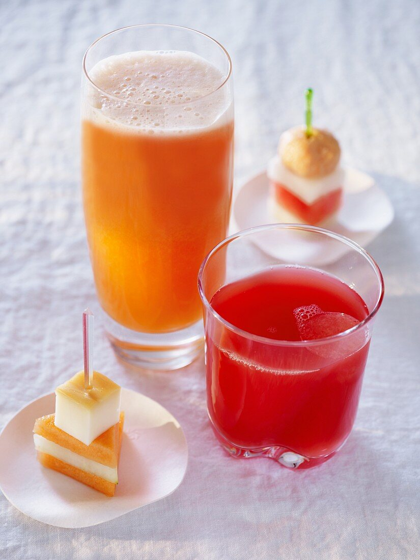 Melon cocktails and canapes