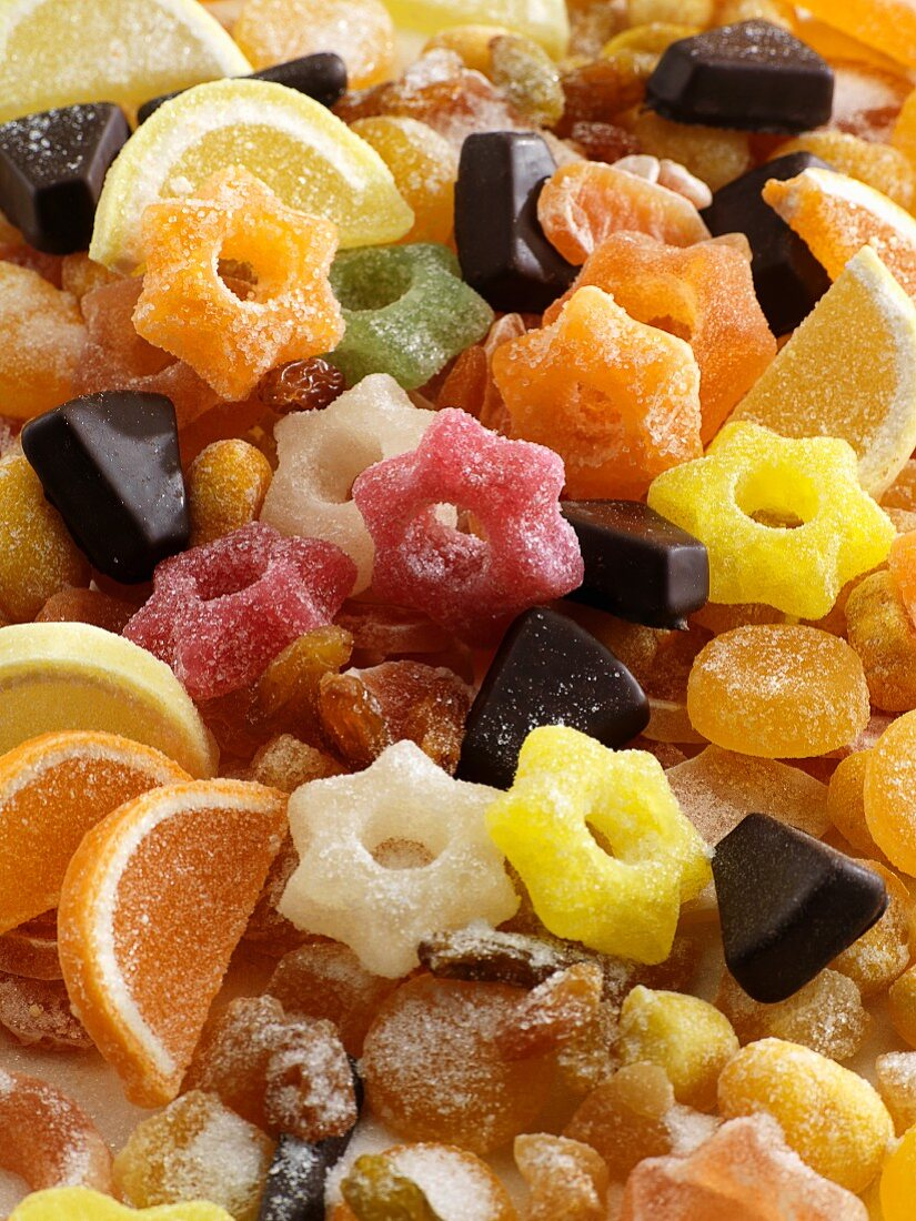 Jelly rings, jellied fruits and pieces of German layer cake