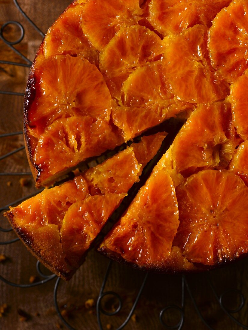 Clementine cake, sliced (seen from above)