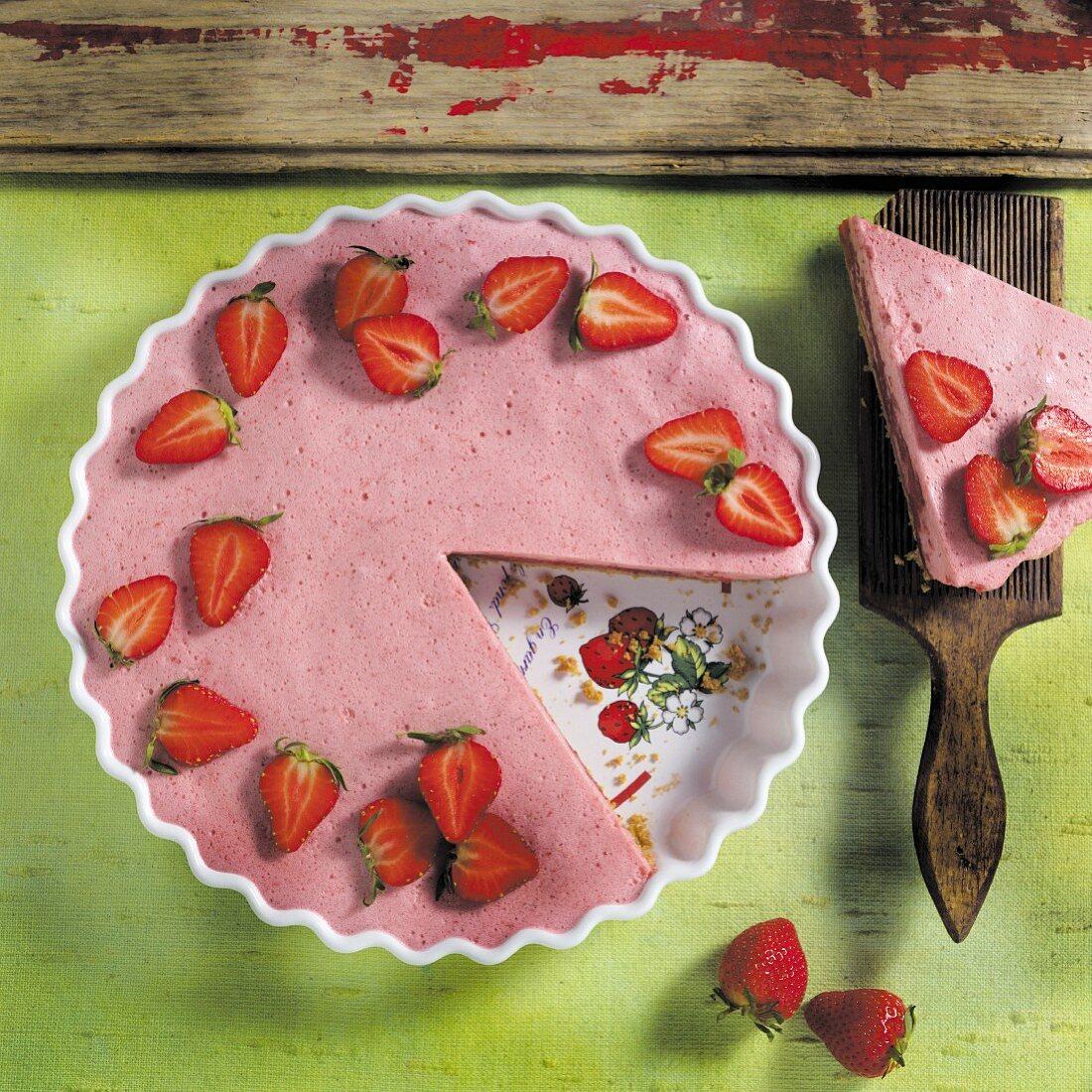 Strawberry cake, sliced