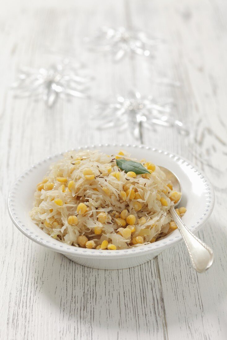 Sauerkraut with peas and caraway for Christmas
