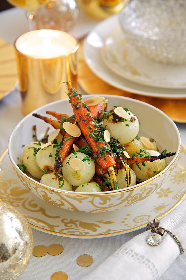 Onion-carrot vegetables with sliced almonds