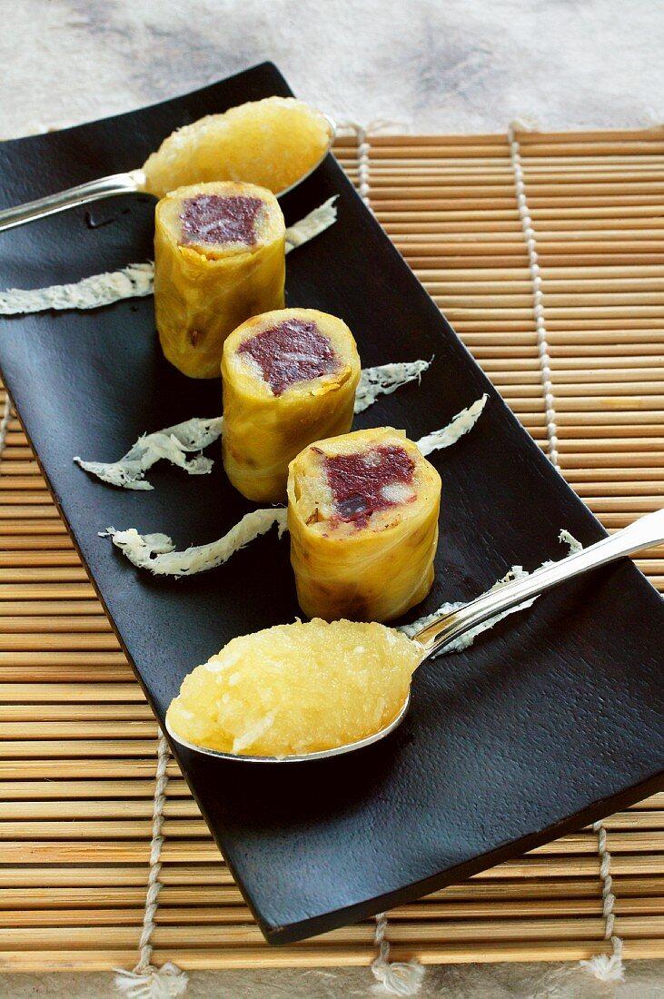 Black pudding maki with apple horserdish