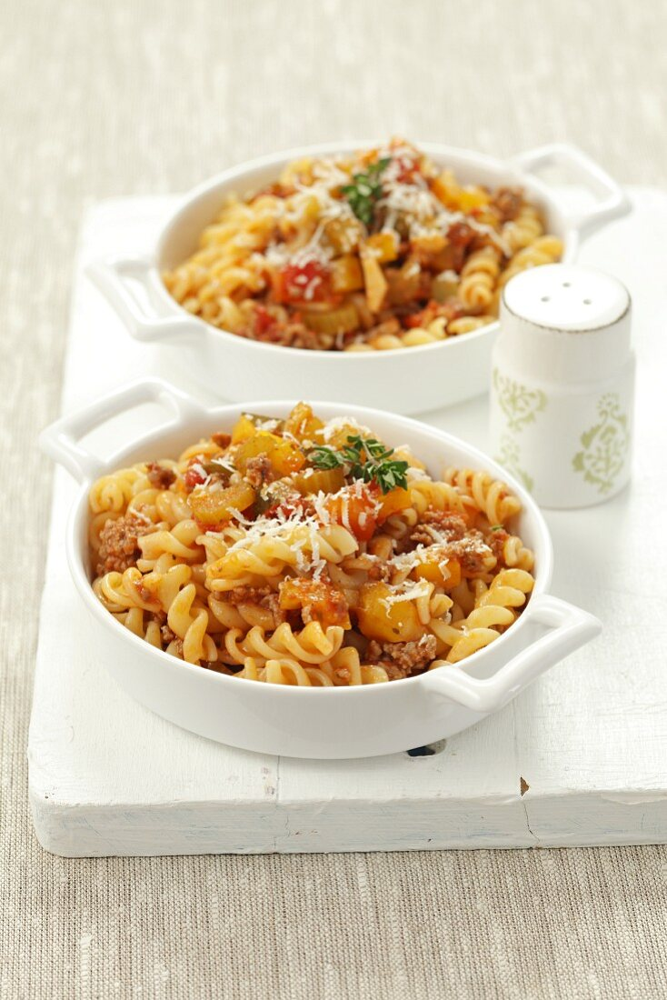 Fusilli alla ragusana (pasta with a minced meat and vegetable sauce)