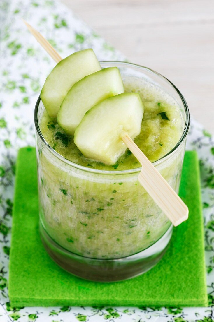 Cucumber, apple, banana and parsley smoothie