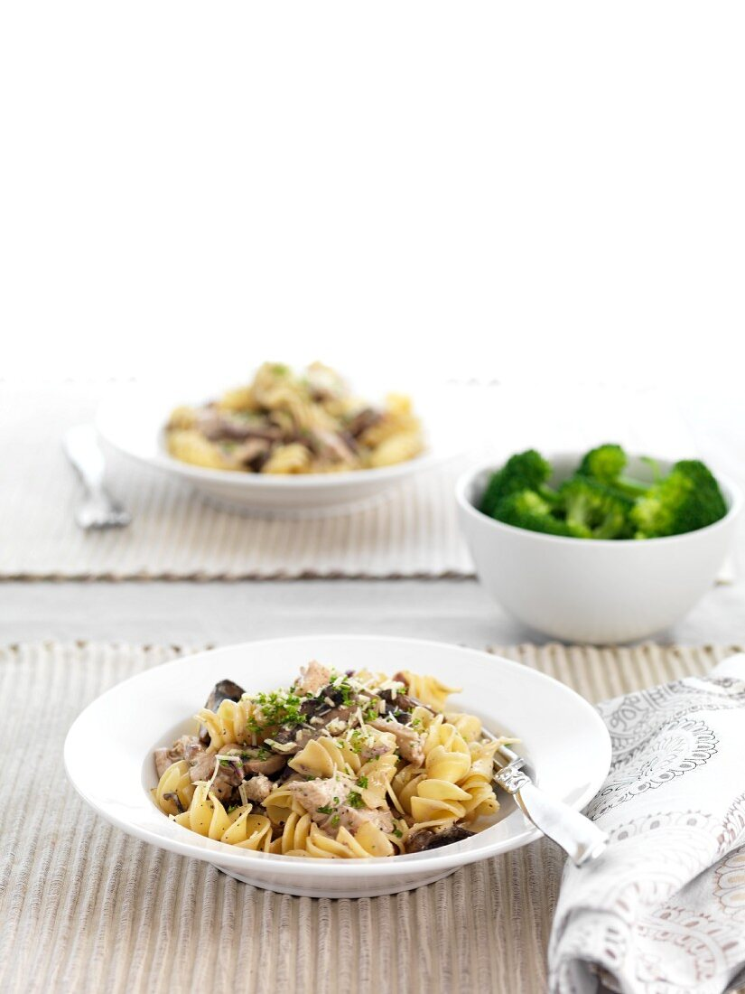 Pasta with chicken and mushrooms (for diabetics)
