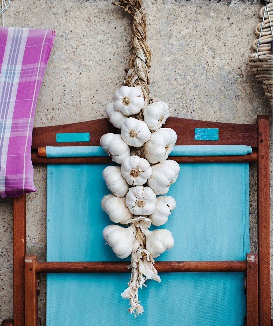 A rope of garlic