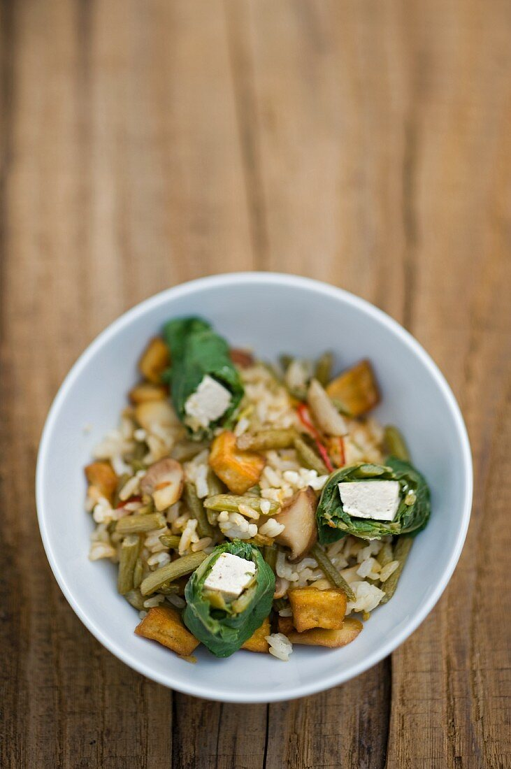 Fried rice with butterbur and tofu