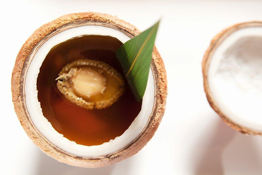 Kokos-Hähnchen-Suppe mit Abalone (China)