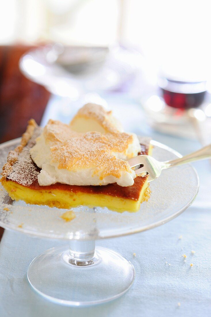 Tray bake cheesecake topped with meringue