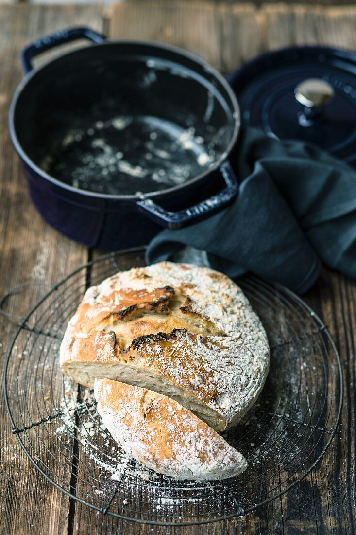 No-knead wheat bread baked in a pot