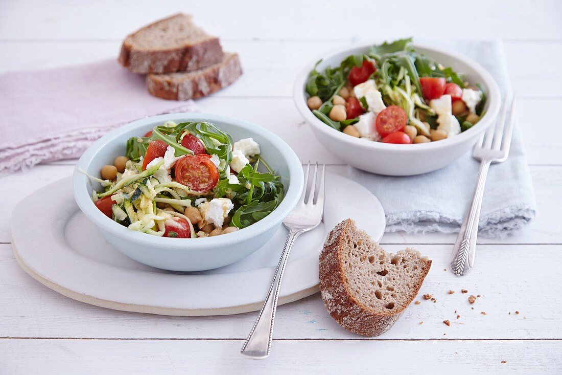 Quick courgette salad with chickpeas and sheep's cheese