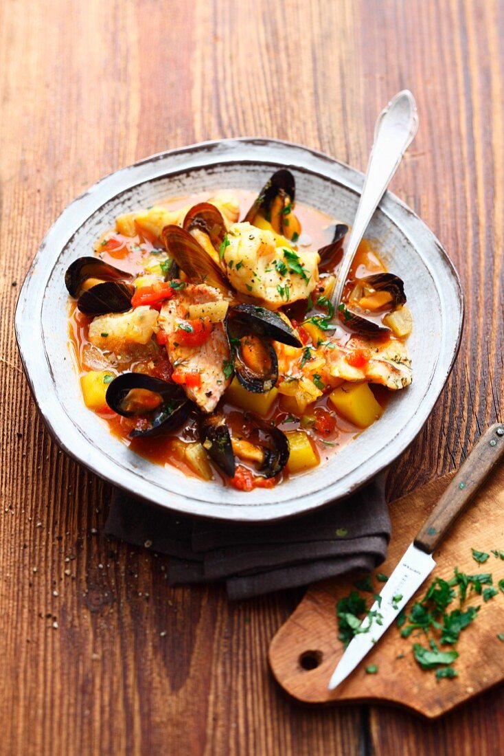 Bouillabaisse with Pernod (France)