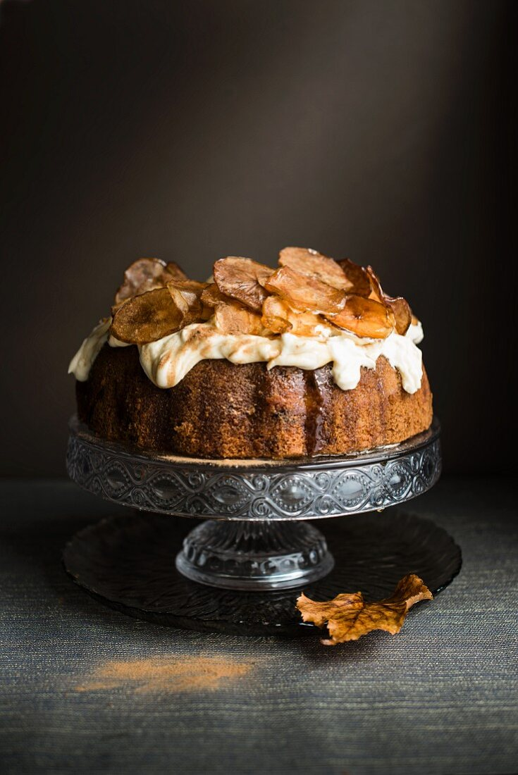 Apple cake with cream and caramelised apple slices