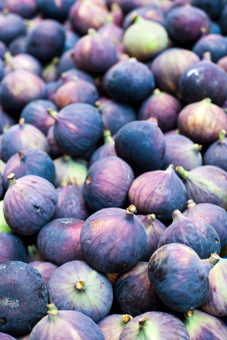 Organic Figs at a Farmer's Market