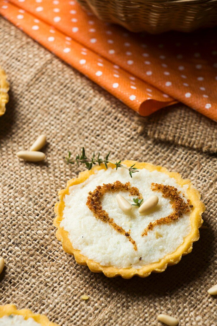 Savoury cream cheese tartlet