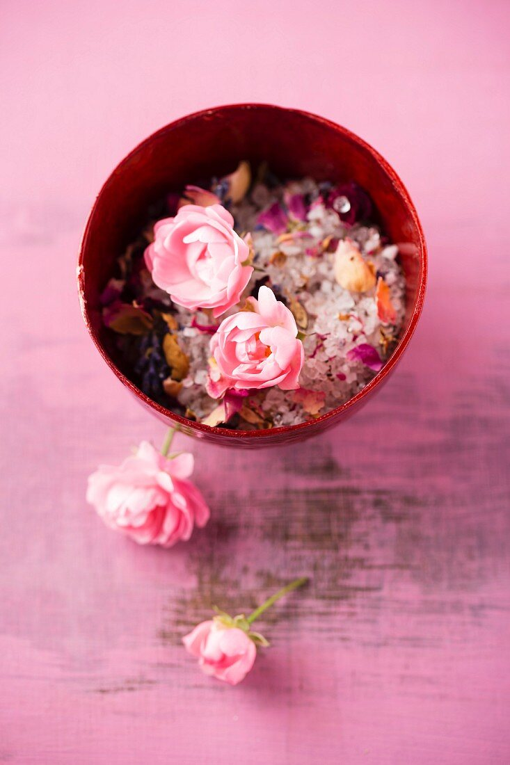 Rose and lavender bathing salts
