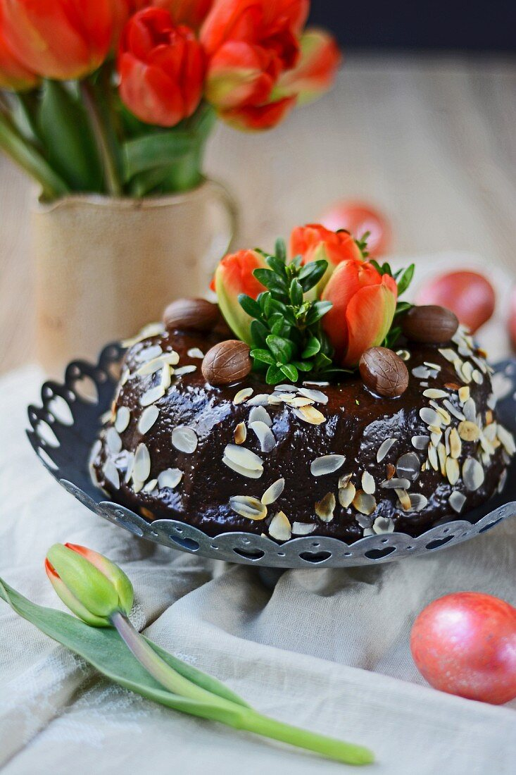 Easter cake with flaked almonds
