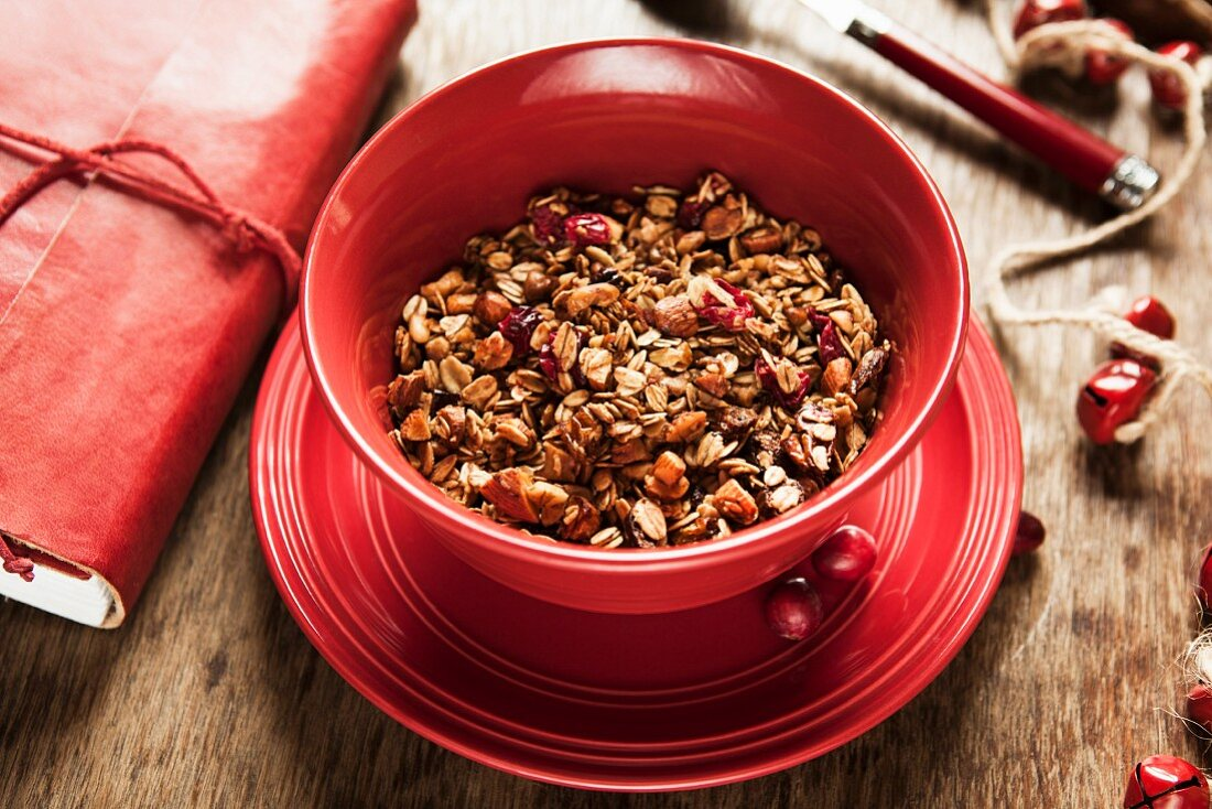 Muesli with berries and nuts
