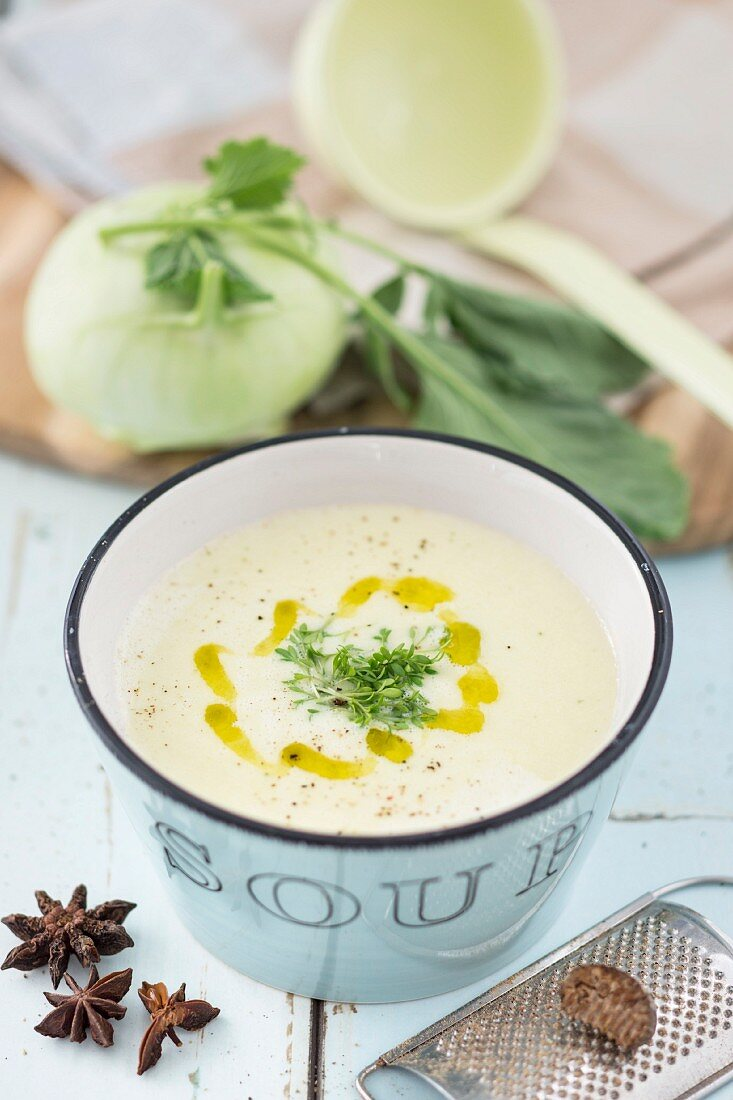 Cream of kohlrabi soup with cress