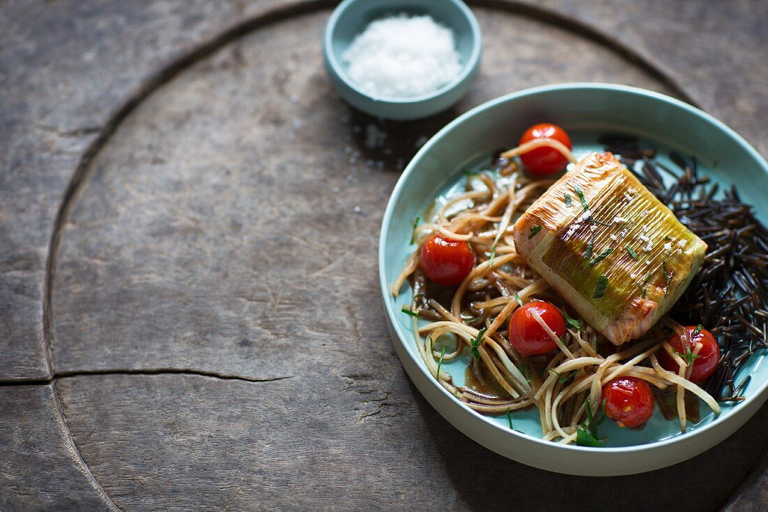 Salmon parcels with wild rice and cherry tomatoes
