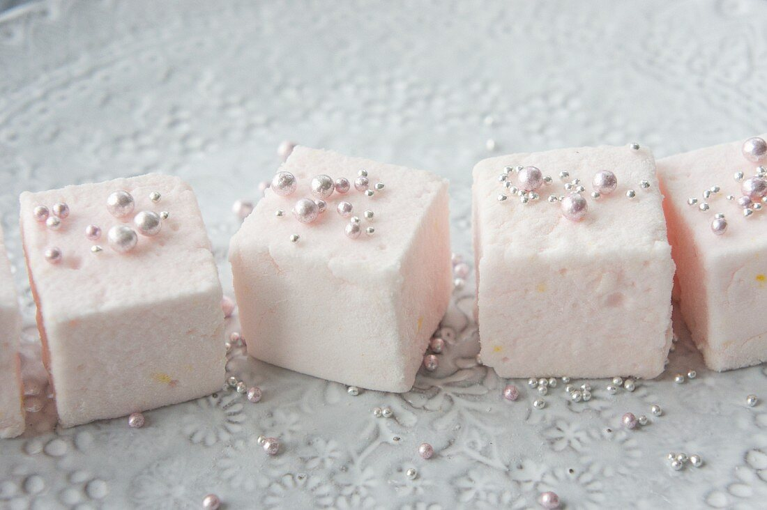 Marshmallows with sugar beads