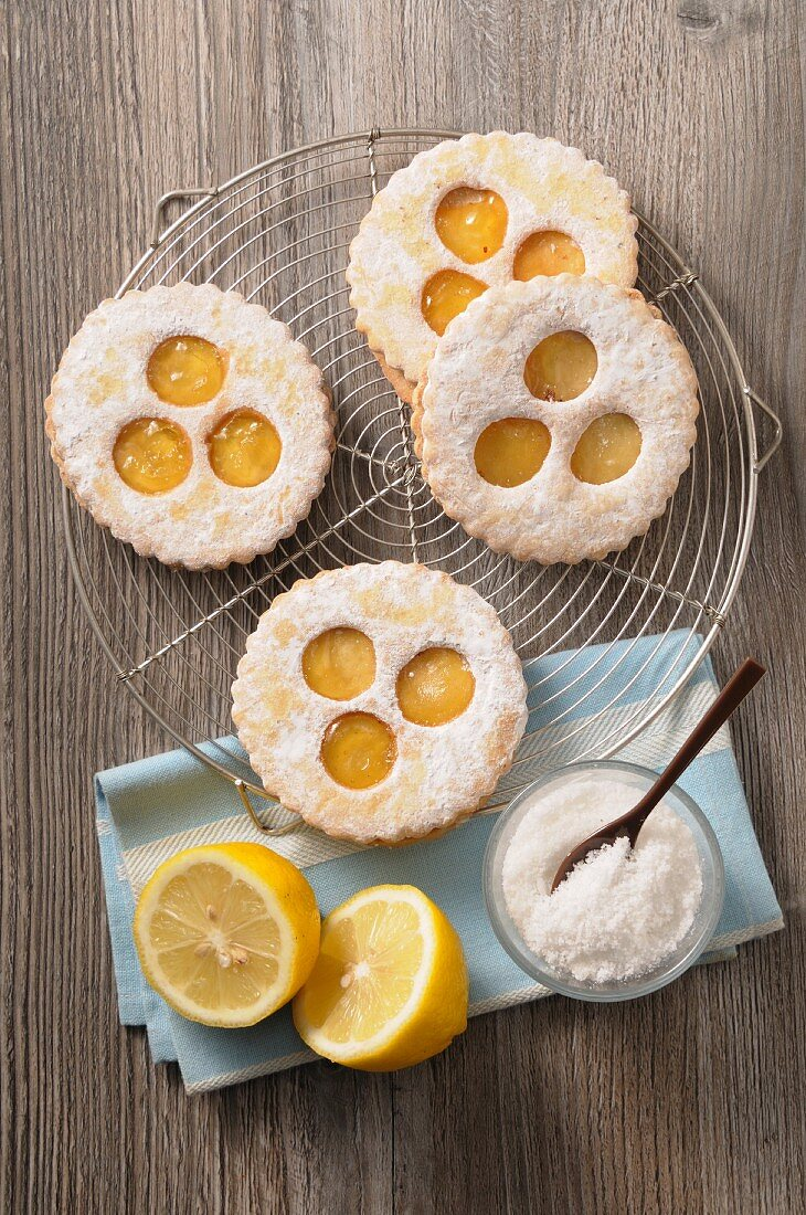 Lemon curd biscuits