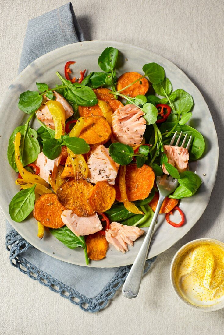 Salmon salad with sweet potatoes