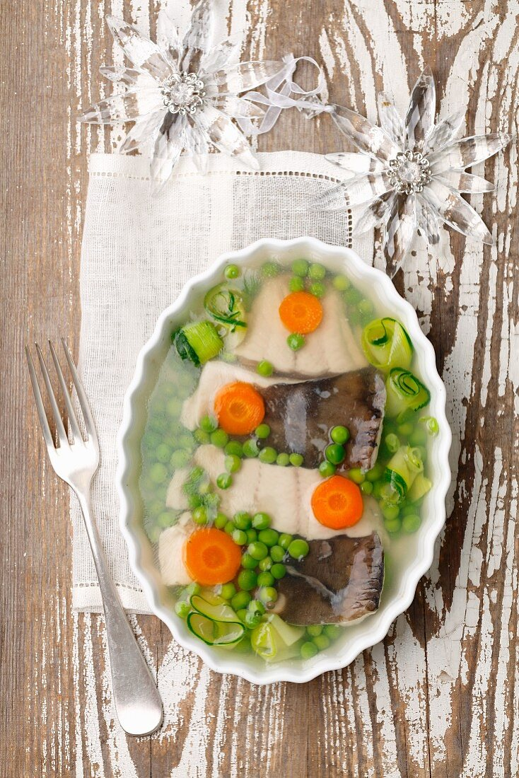 Carp in aspic with green beans and courgettes (Christmas)