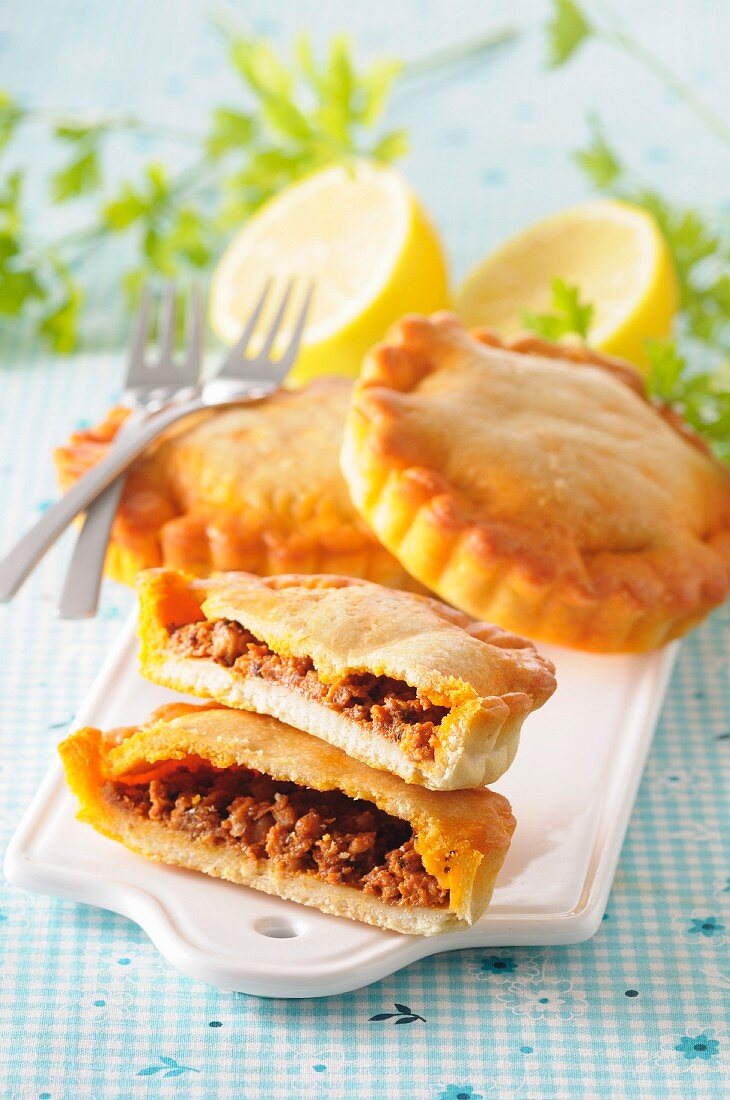 Tielles filled with minced meat (France)