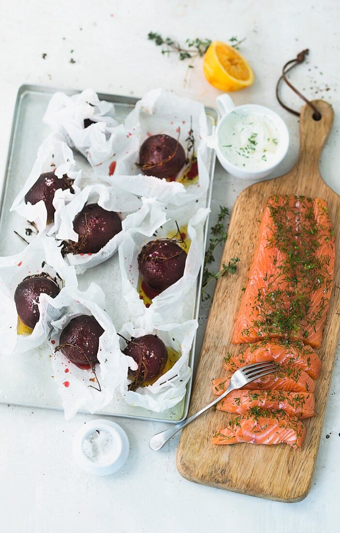 Baked beetroot with a yoghurt dip and graved lax