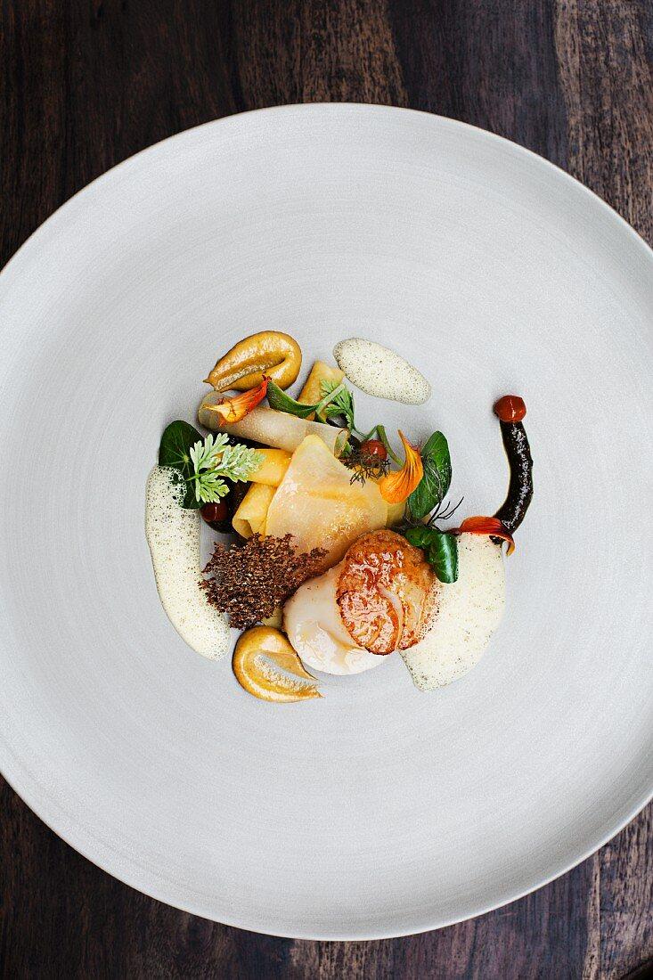 Fried scallops (Erik Arnecke, Restaurant Philipp Soldan, Germany)