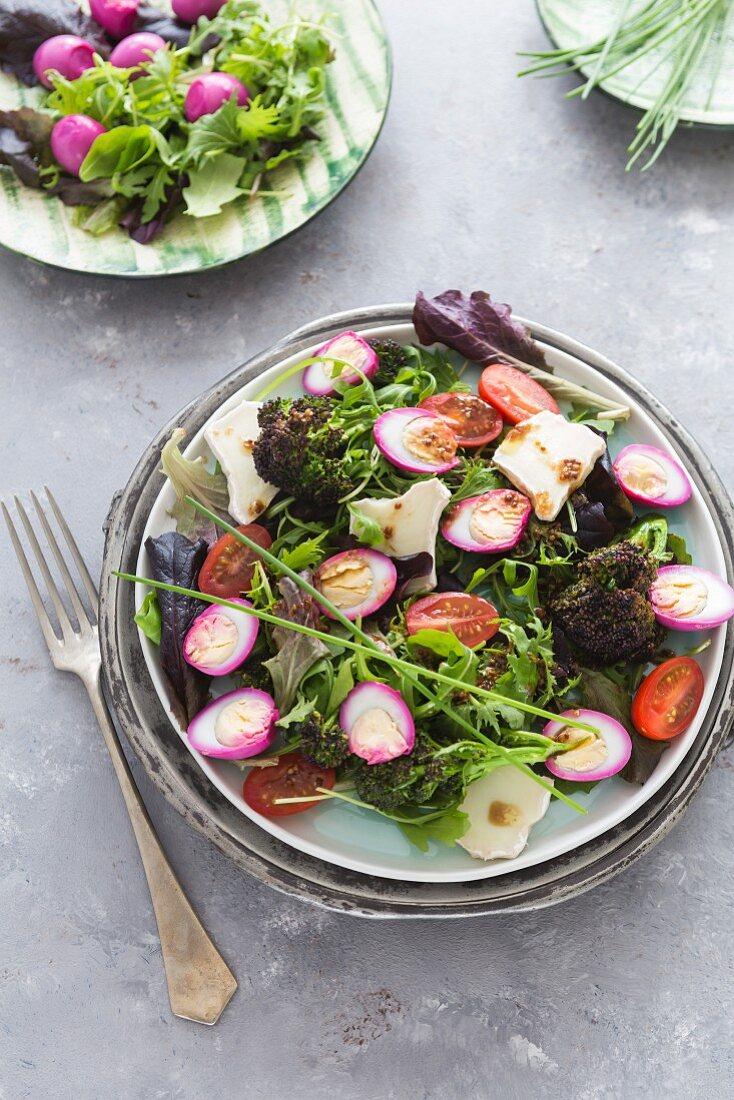 Brokkolisalat mit Wachtelei und Senfdressing