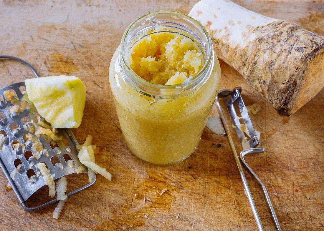 Homemade apple and horseradish cream