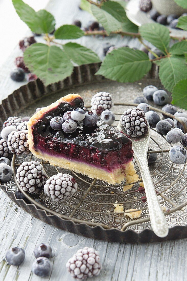 Blueberry and blackberry cake