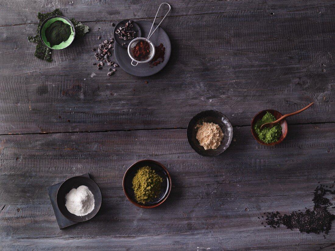 Exotische Superfoods: Algen, Baobab, Maca, Matcha, schwarzer Sesam, Moringa und Kakao