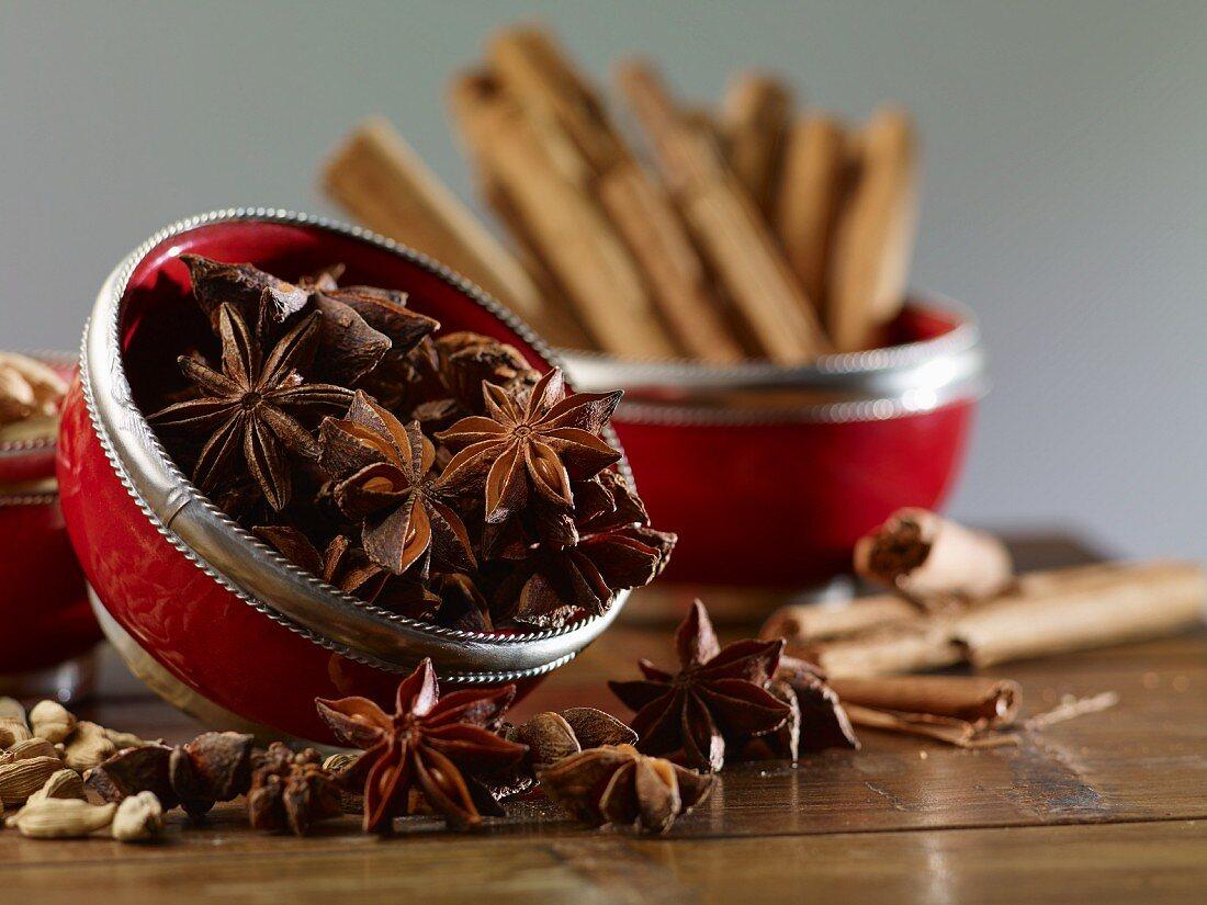 Star anise, cinnamon sticks and cardamom
