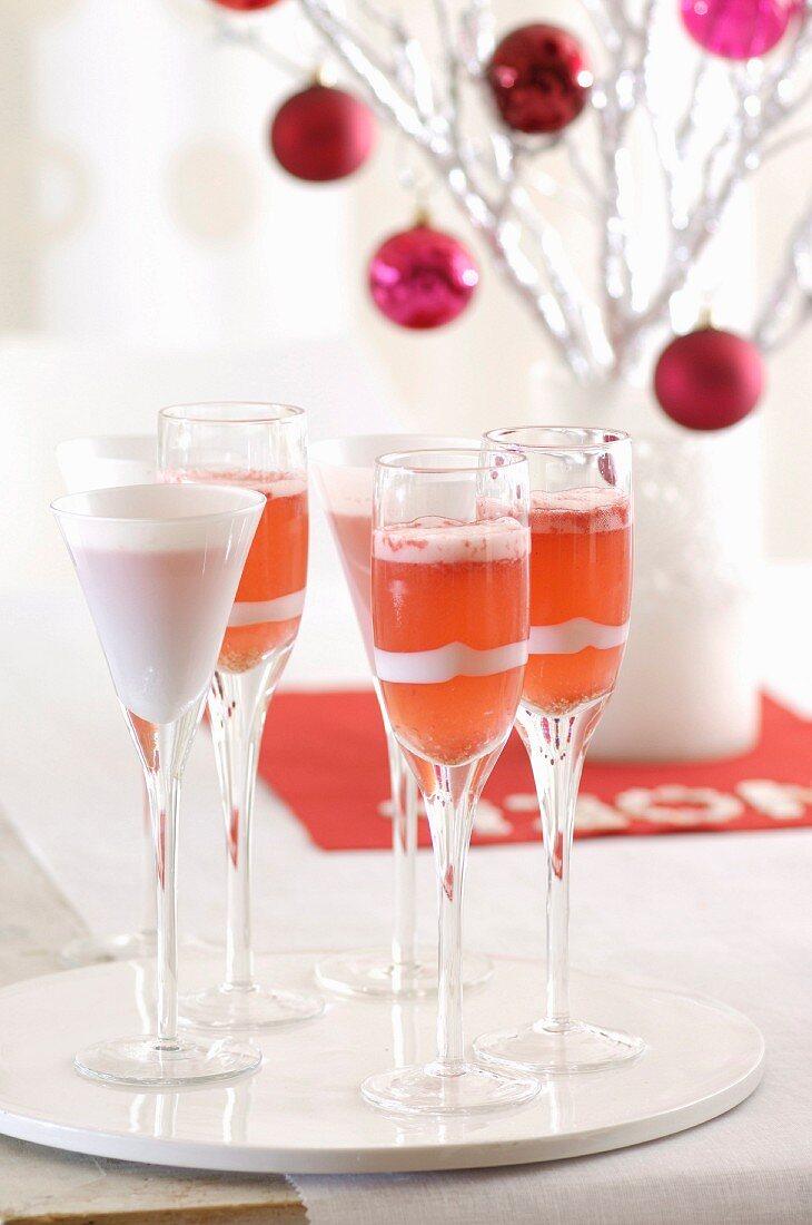 Himbeer-Bellini zu Weihnachten