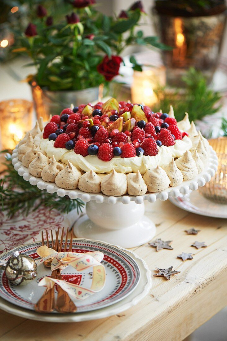 Christmas pavlova with fresh berries