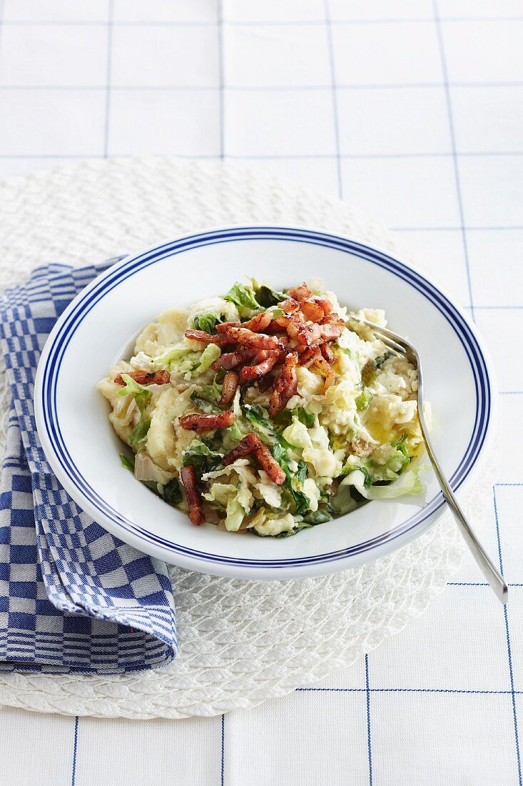 Mashed potatoes with chicory and bacon