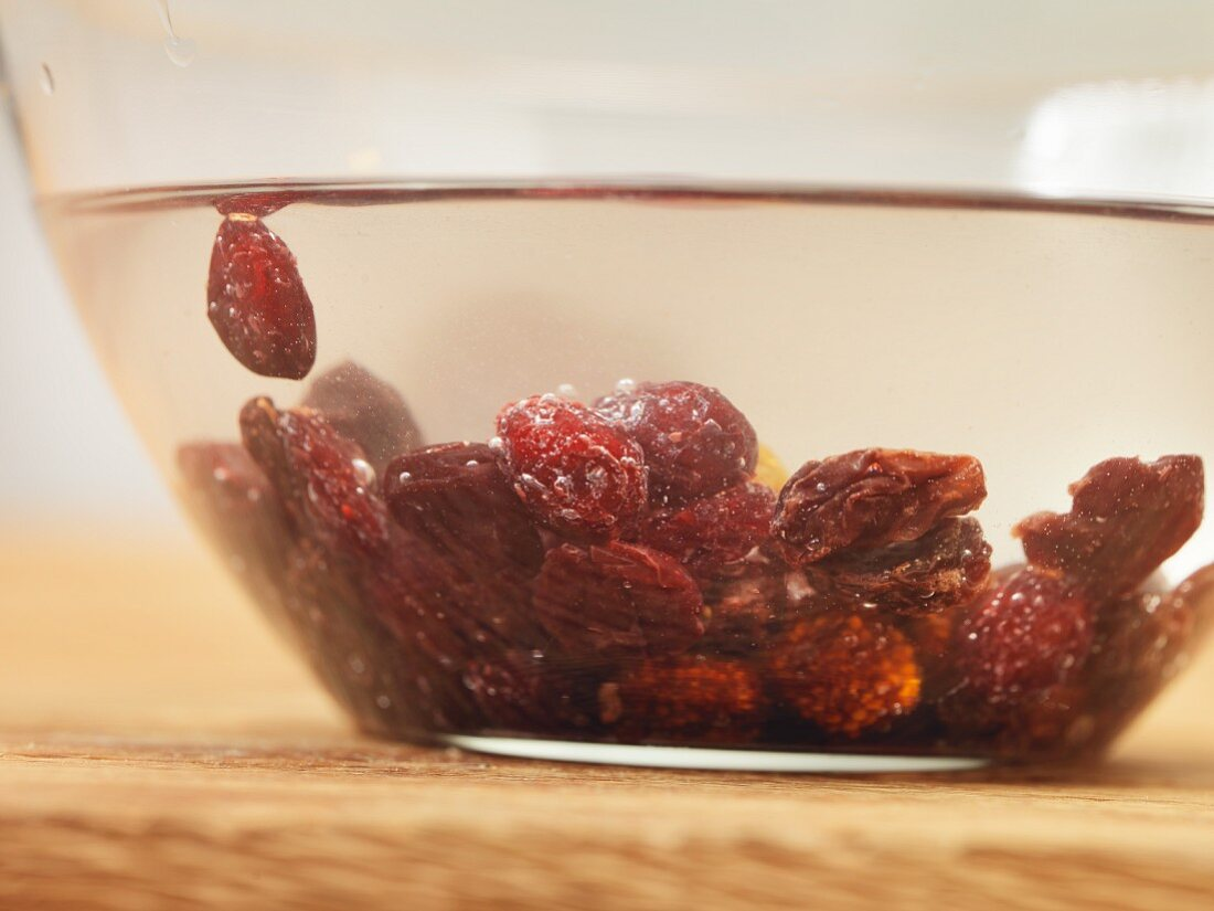 Cold extraction of berries for flavour