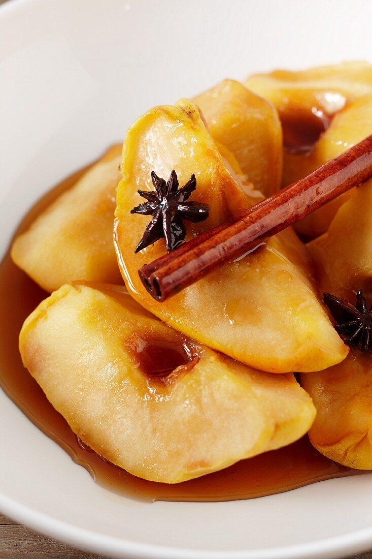 Poached quinces with cinnamon and star anise