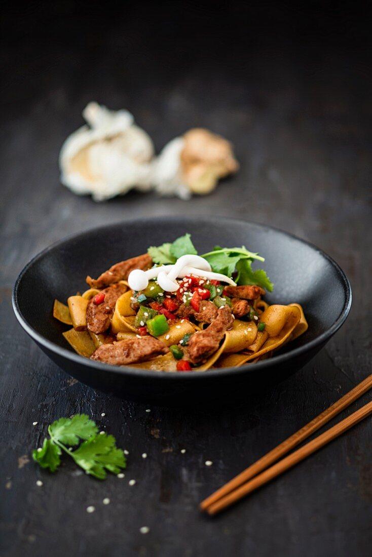 Lo mein pork loin with tagliatelle (China)