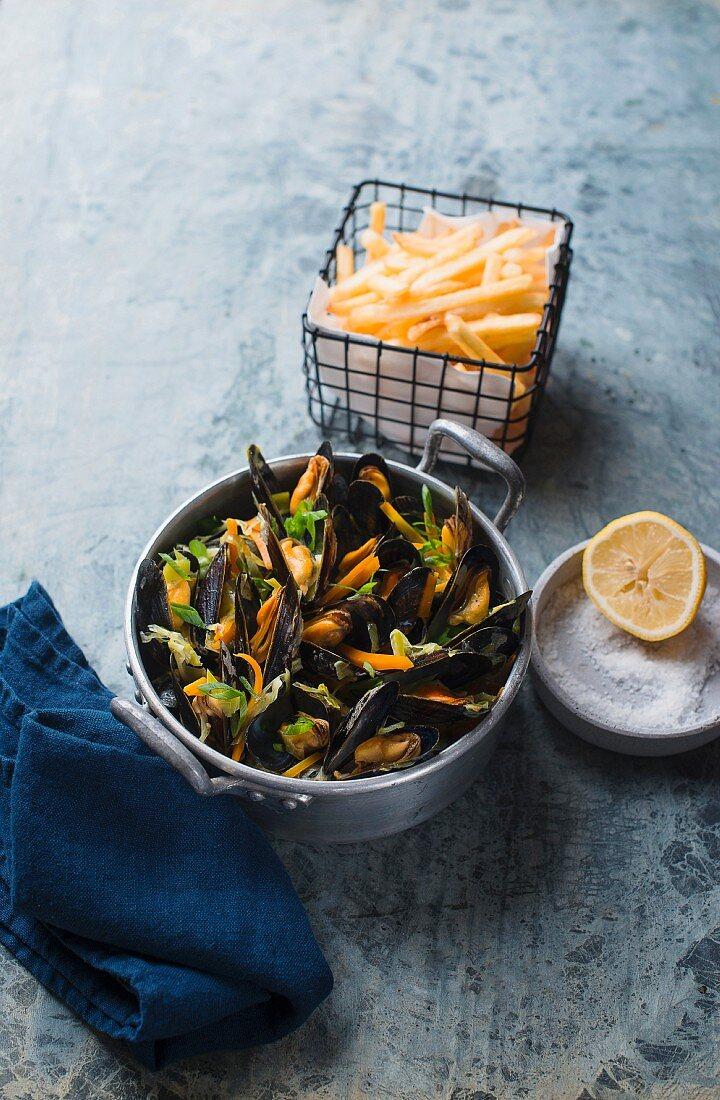 Mussels in vegetables broth