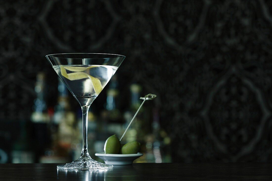A dry Martini on a bar