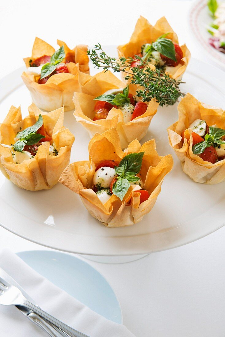 Summery puff pastry baskets
