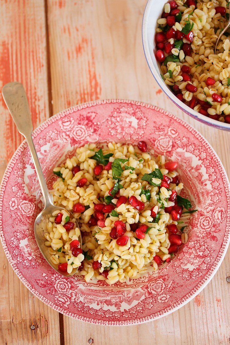 Farro salad with pomegranate seeds and parsley