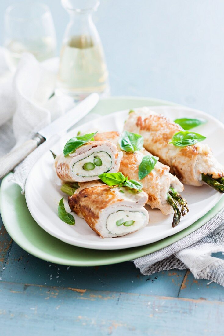 Chicken roulade filled with asparagus